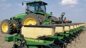 Deere, Dawn Equipment Form Strategic Alliance
