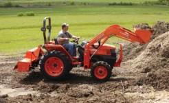 Kubota L3700 Tractor