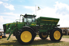 4930 spreader, Deere