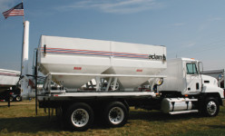 Adams Fertilizer Equipment  18 Ton Tender
