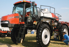 Case Patriot 3330 Sprayer