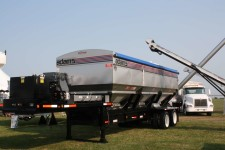 Adams Fertilizer Equipment M3-SA Tender