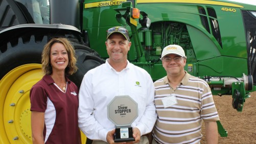 From left: Illinois Fertilizer & Chemical Association's Jean Payne, John Deere's Craig Weynand and CropLife IRON's Eric Sfiligoj.