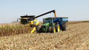 Growers Showcase Kinze Autonomous Harvest System
