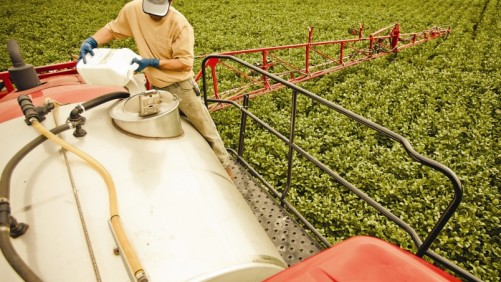 With so many different products beyond glyphosate being introduced to the tank mix, compatibility agents are expected to continue their upward growth in sales over the next few years, according to adjuvant experts.