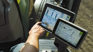 Deere, GROWMARK Collaborate On Real-Time Field Data