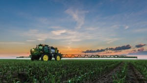 Deere Debuts New R4045 Sprayer