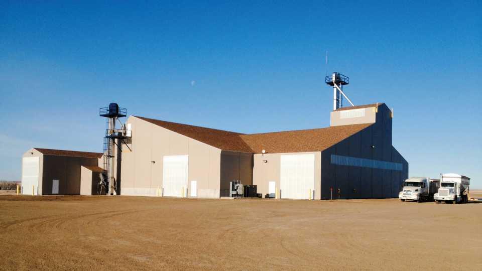 Wilbur-Ellis' new fertilizer blending facility, located in Mott, ND, was designed by A.J. Sackett & Sons.