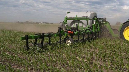 Unverferth NutriMax Liquid Fertilizer Applicator
