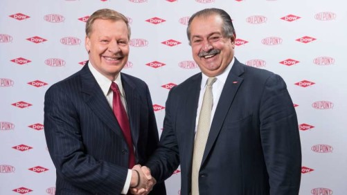 Edward D. Breen (left) and Andrew N. Liveris will head up the new DowDuPont company.