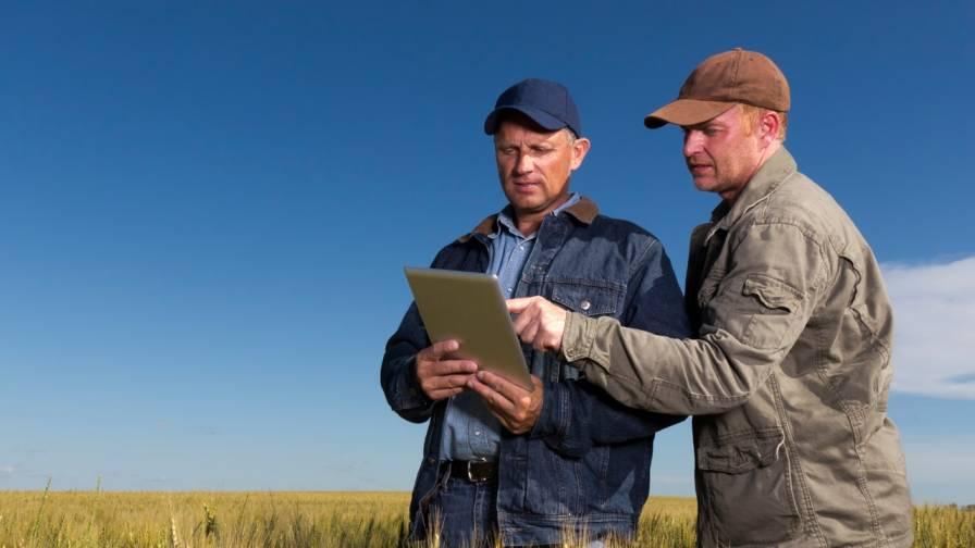 Farmers on Tablet
