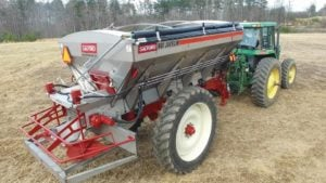 14 Fertilizer Spreaders For 2017