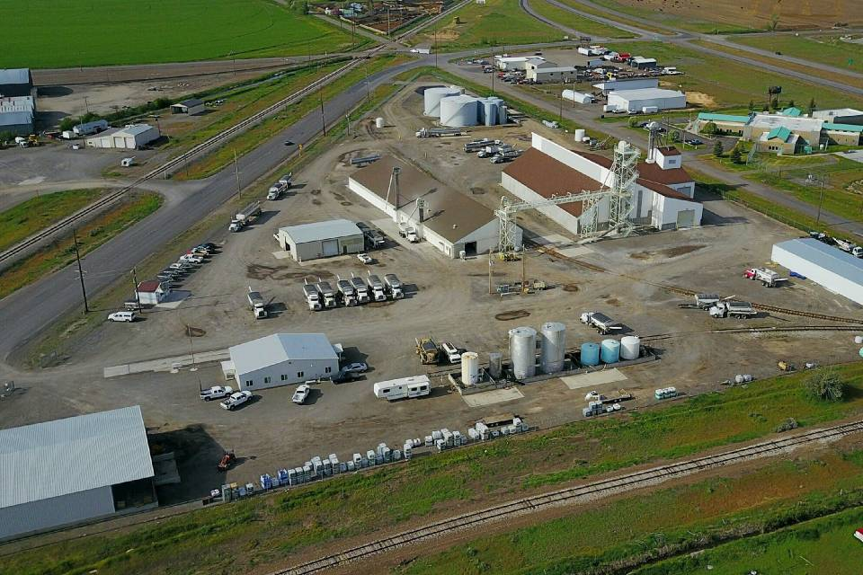 This aerial shot of J.R. Simplot's St.-Anthony, ID, site shows how limited they were on space for their new facility while maintaining traffic flow.
