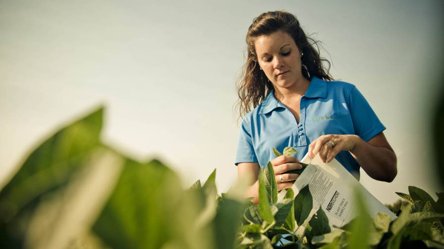 Tissue-testing-is-growing-rapidly-in-the-row-crop-industry-photo-courtesy-WinField-United